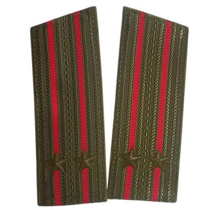 ソビエト軍の歩兵将校フィールドの肩のボード
