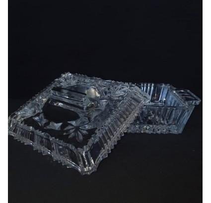 Tschechischer Kristallbecher für verschiedene Getränke